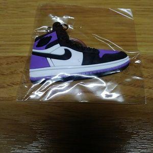 🔥Court purple jordan key chain